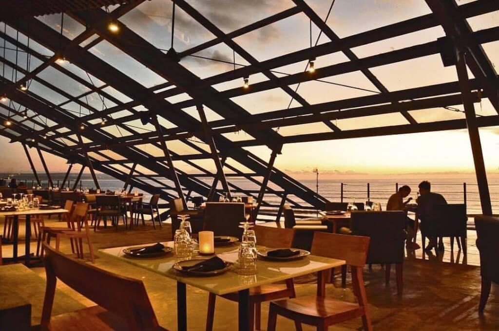 romantic beach dinner bali